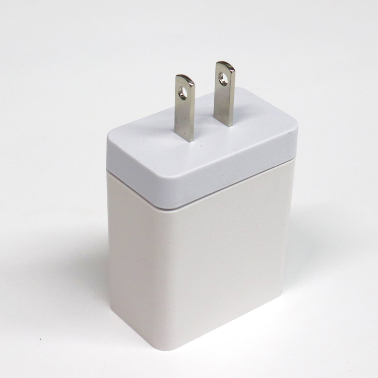 TC-M6U3 -- 3 USB port wall charger(图1)
